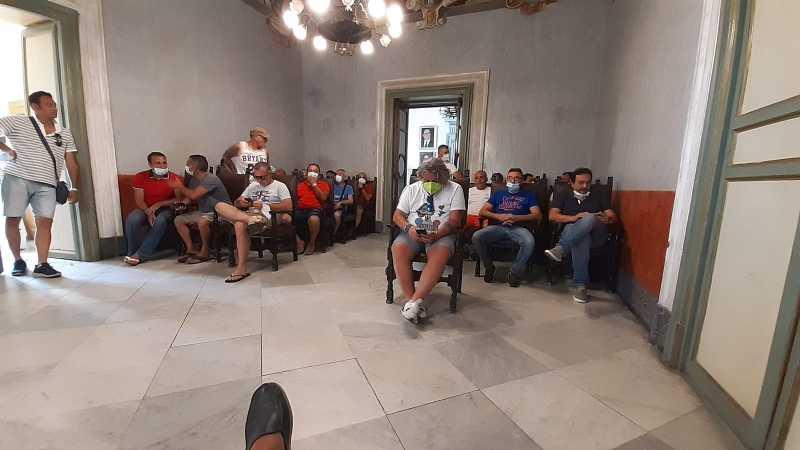 sit-in al comune degli operai dell'indotto ex Fiat