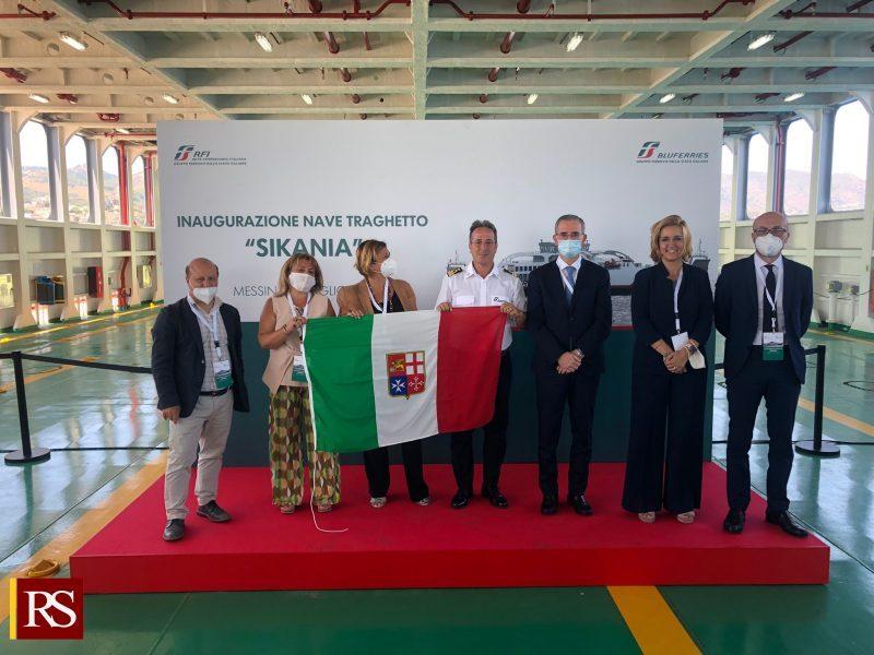 Foto-assessore-Falcone-a-inaugurazione-traghetto-Sikania