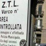 Ztl notturna a Palermo: è scontro nella maggioranza del Sindaco