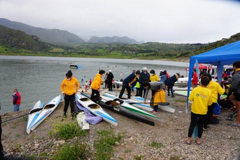 Canoa: una domenica di sport al lago Rosamarina di Caccamo FOTO