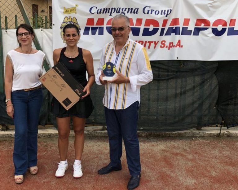La Mondialpol di Termini Imerese dona un defibrillatore all'associazione Tc Fiamma