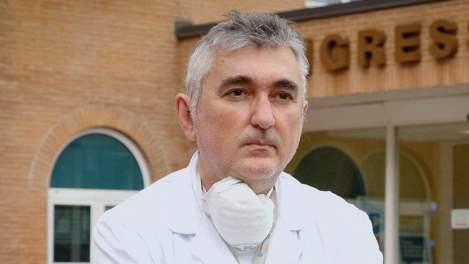 Morto suicida lo pneumologo Giuseppe De Donno: è stato tra i promotori della cura contro il Covid al plasma