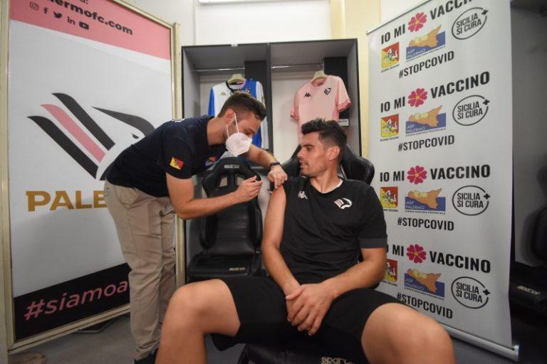 Covid: vaccino per tutti i giocatori del Palermo in collaborazione con l'Asp