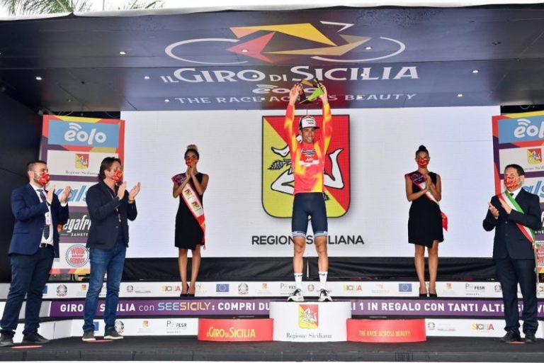 Giro di Sicilia, Musumeci: «Che gioia vedere Nibali sul podio più alto»