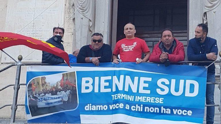 Riesplode la protesta degli operai della Bienne Sud: presidio fisso in piazza Duomo